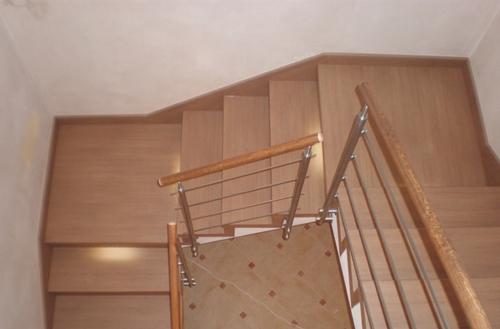 Obložení schodů svépomocí
